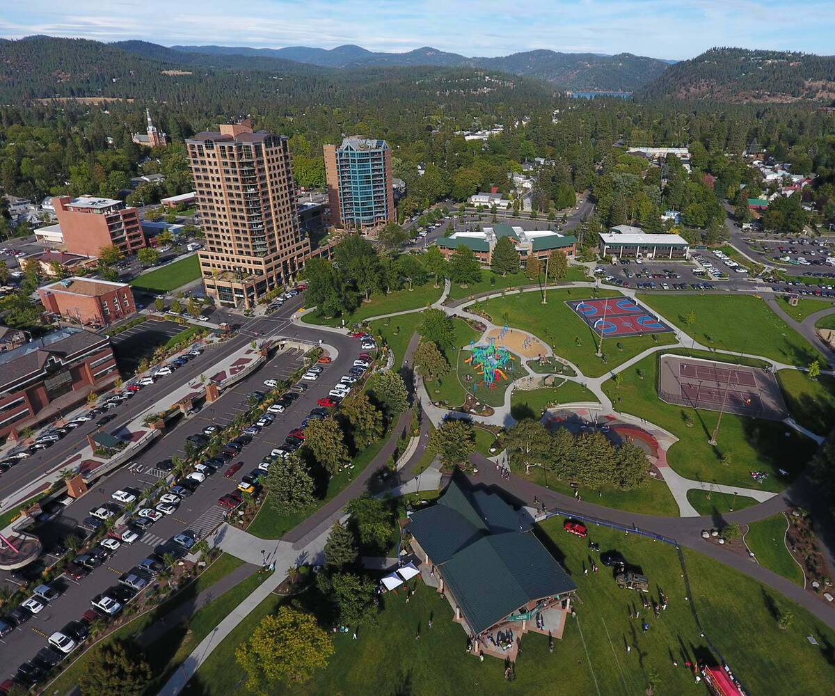 Aerial picture of downtown McEuen park